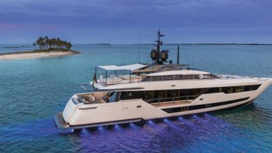 Photo of Ferretti Custom Line 120