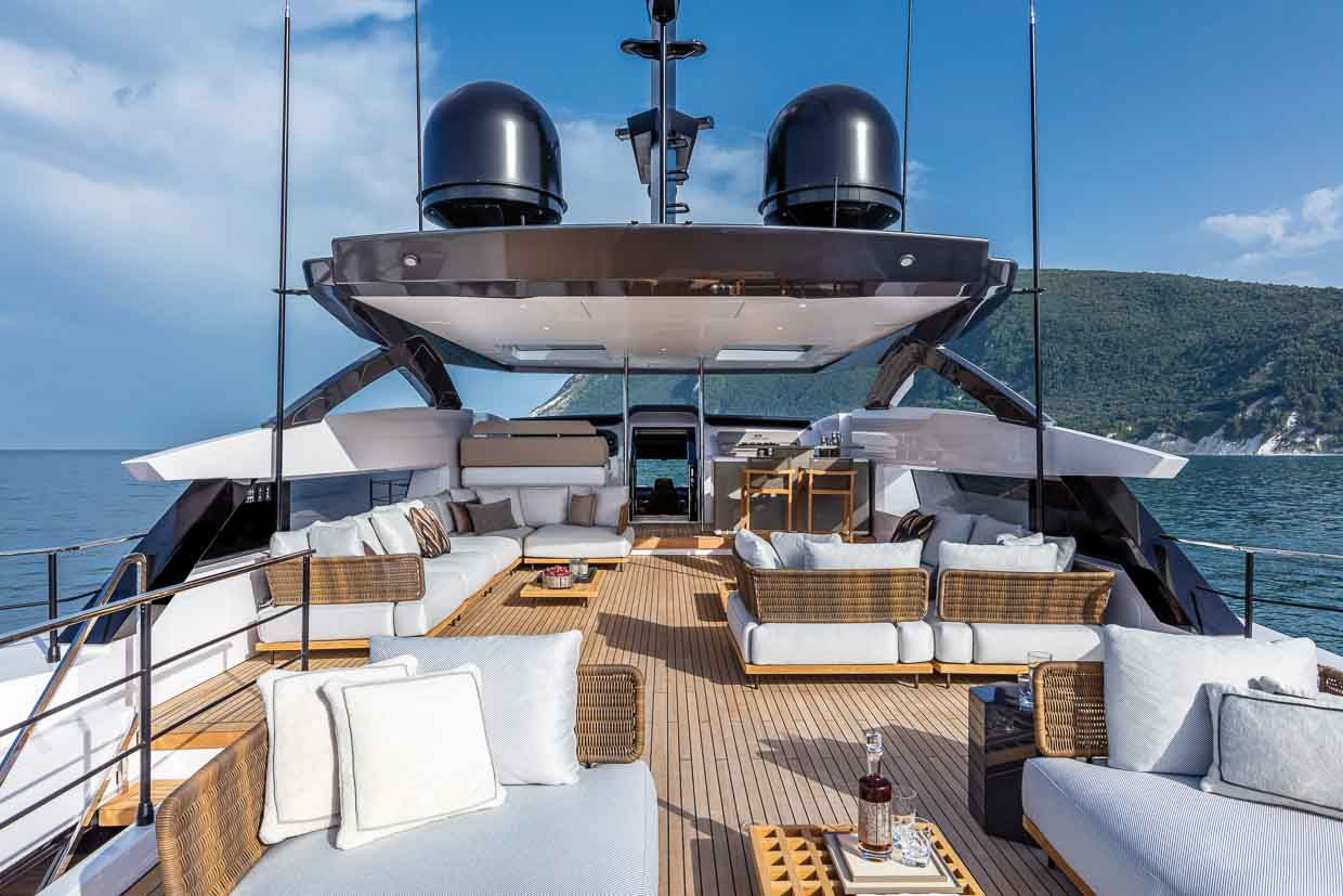 Custom Line 106 TheOne Yacht and Design
